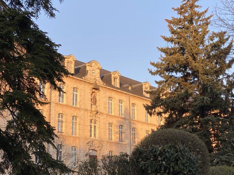façade levé de soleil